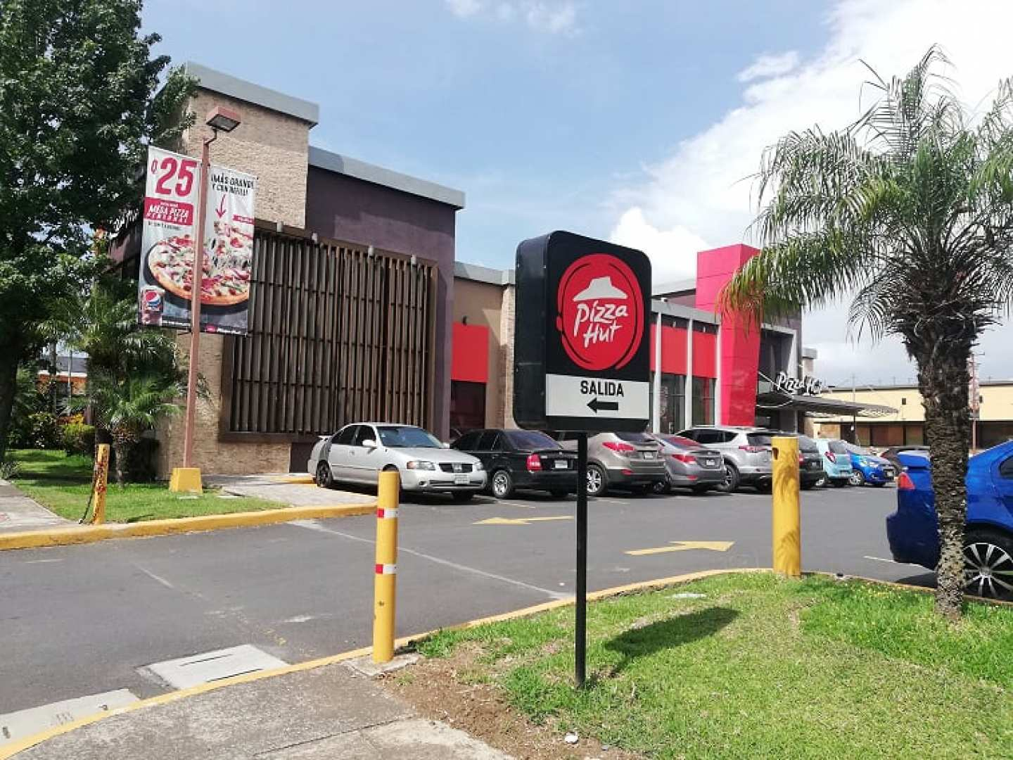 Pizza Hut (Zona 11)