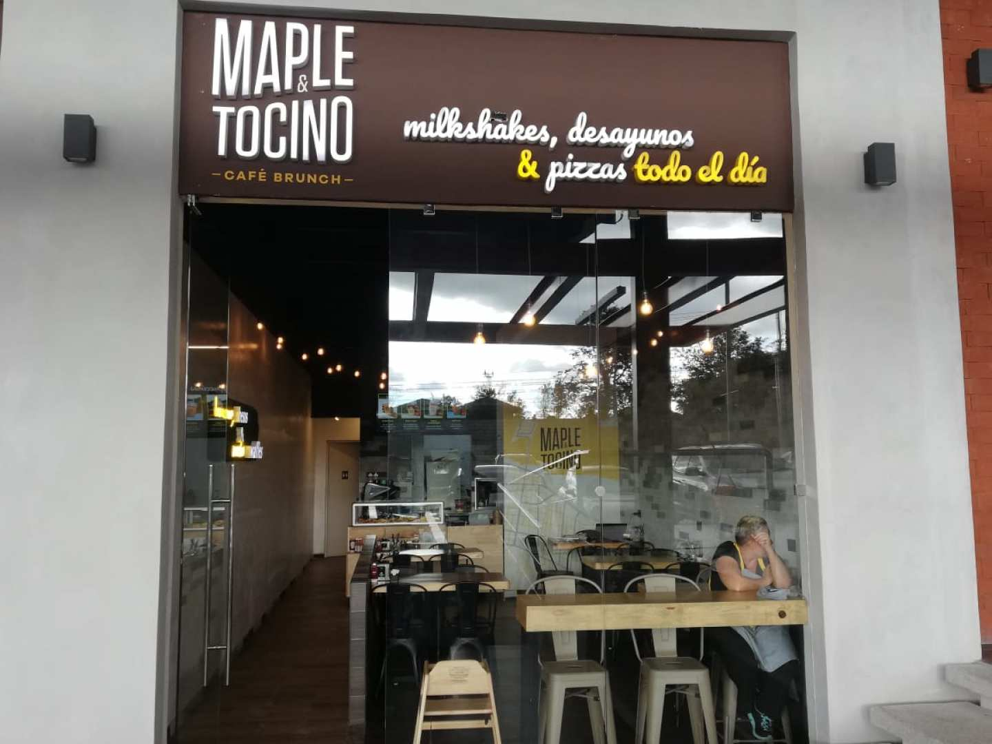 Maple y Tocino