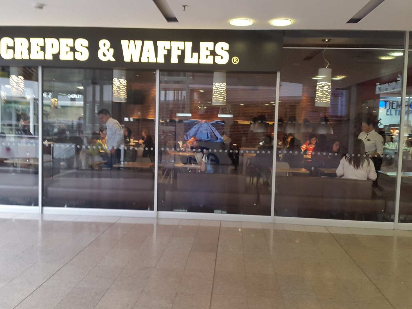Crepes & Waffles (Calle 73)