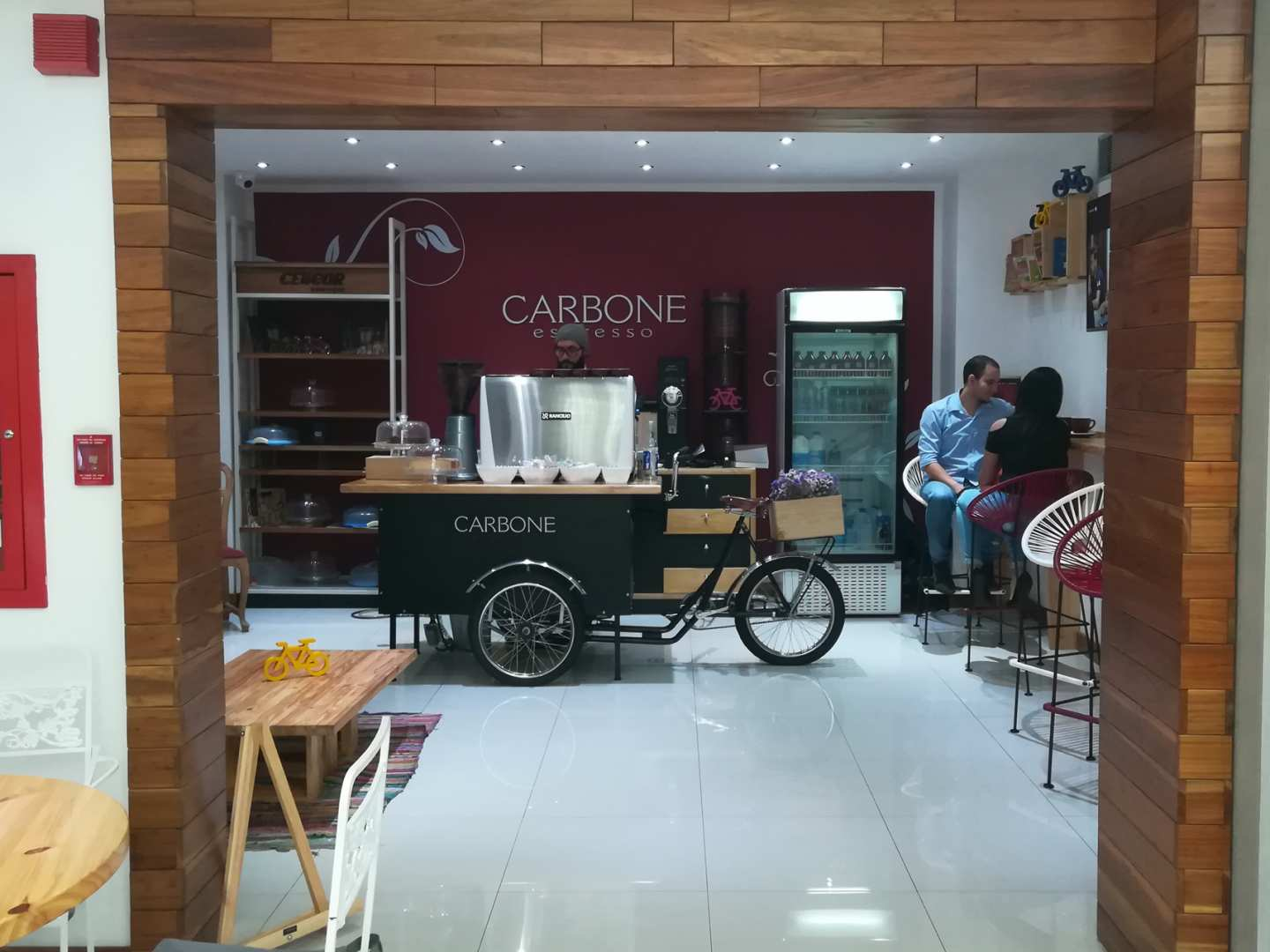 Esquina Carbone (Celicor Boutique)